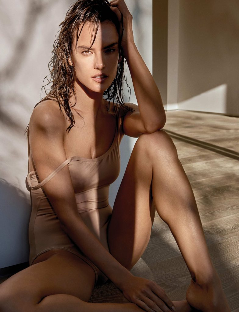 Sexy Teasing Brunette - XLondonEscorts